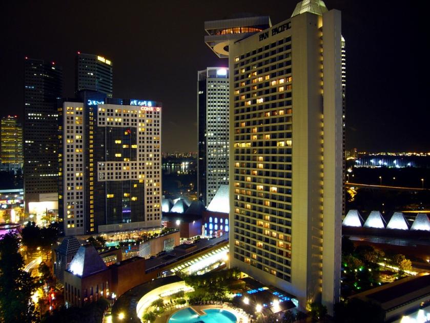Pan Pacific Singapore - Pool at night