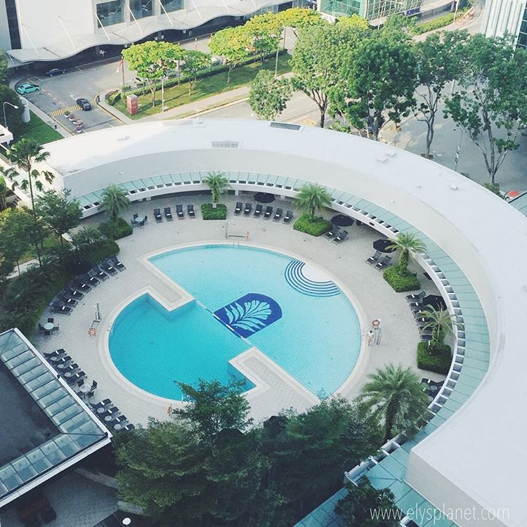 Pan Pacific Singapore - pool
