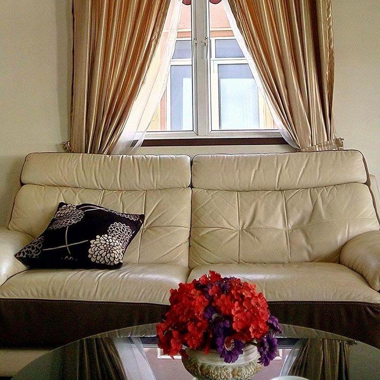 AirBnB Singapore 7 - Sofa