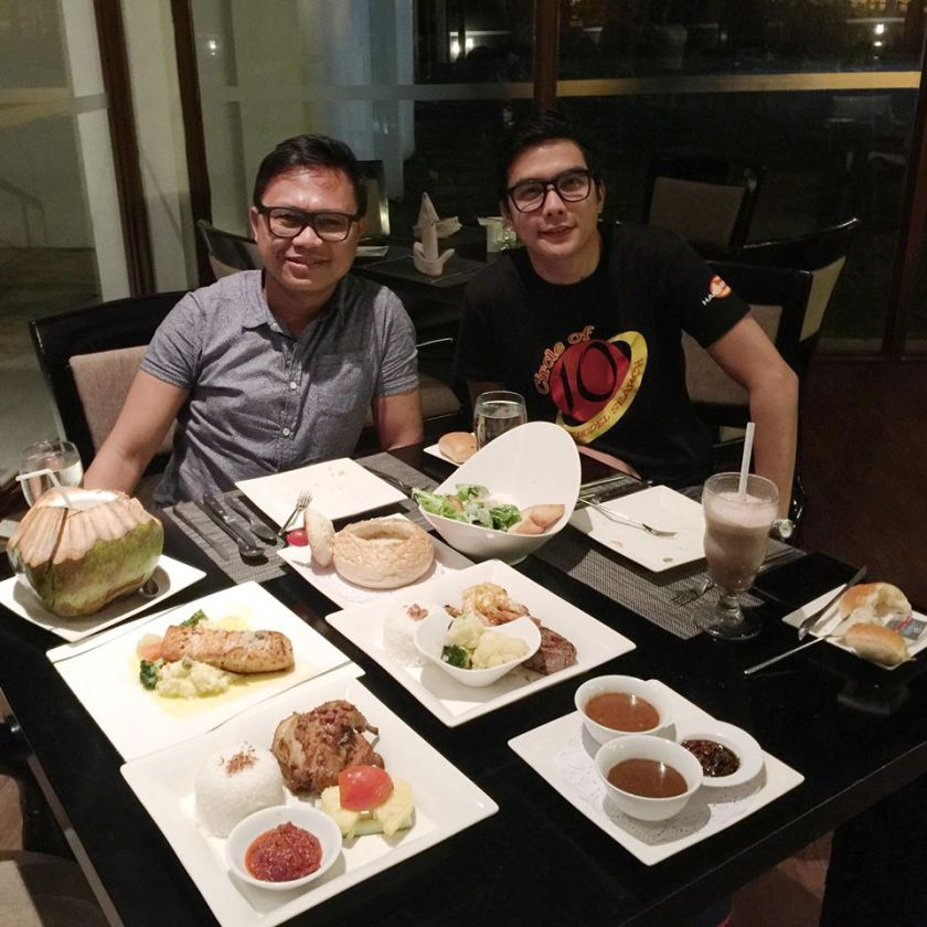 A sumpruous dinner at Nelayan Restaurant.