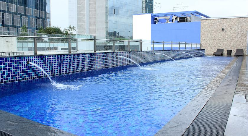 Fragrance Hotel Riverside - Swimming Pool