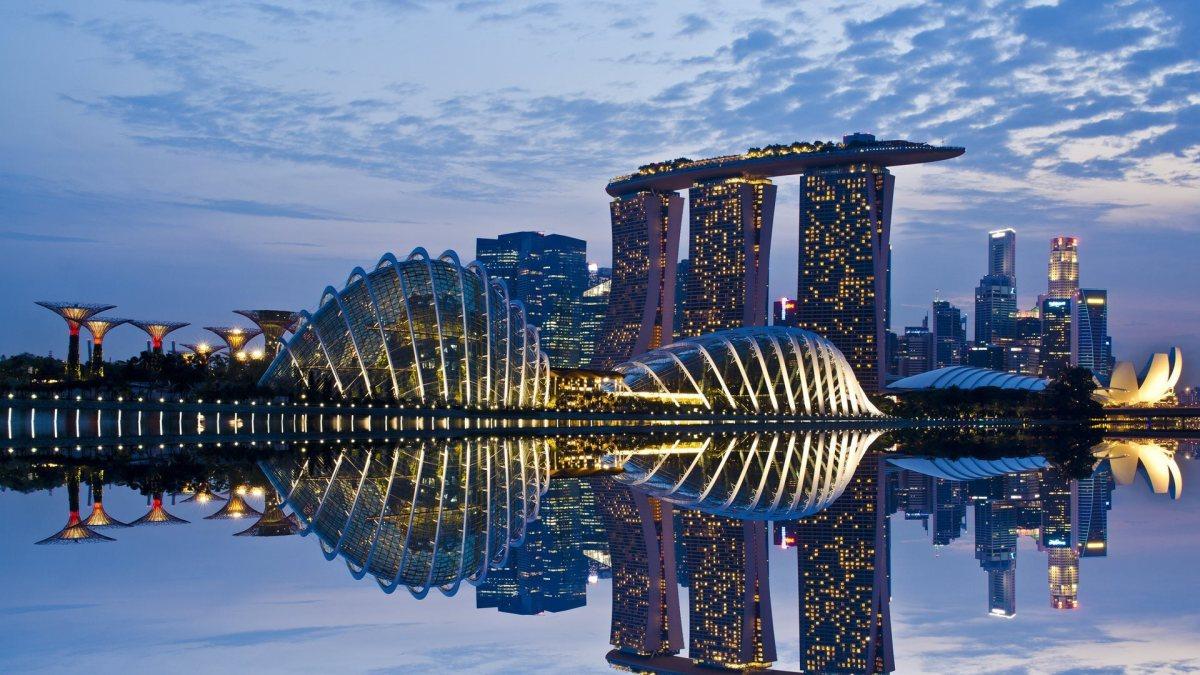 Marina Bay Singapore - Feature Thousand Wonders
