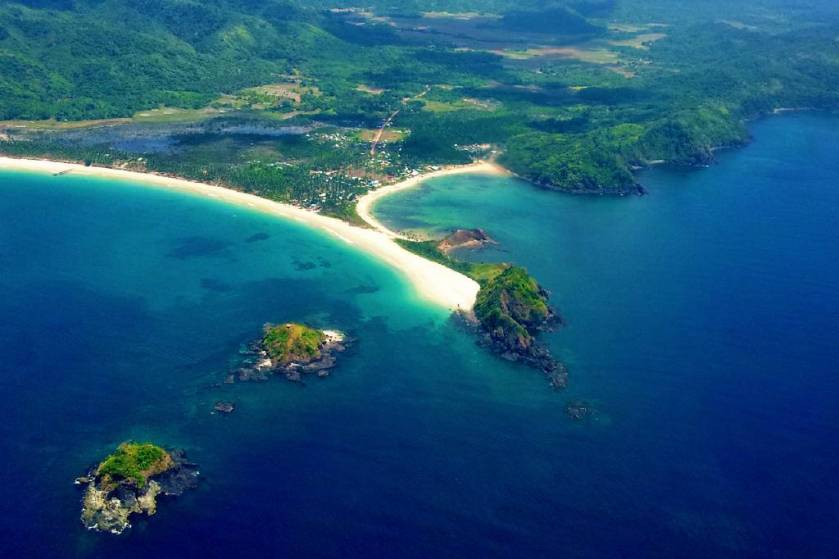 Nacpan Beach El Nido Palawan Photo via @abdulzln Flickr.