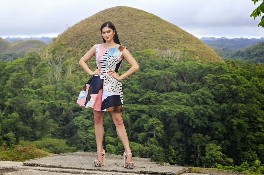 Miss Universe 2016 Pia Alonzo Wurtzbach with Bohol's Chocolate Hills