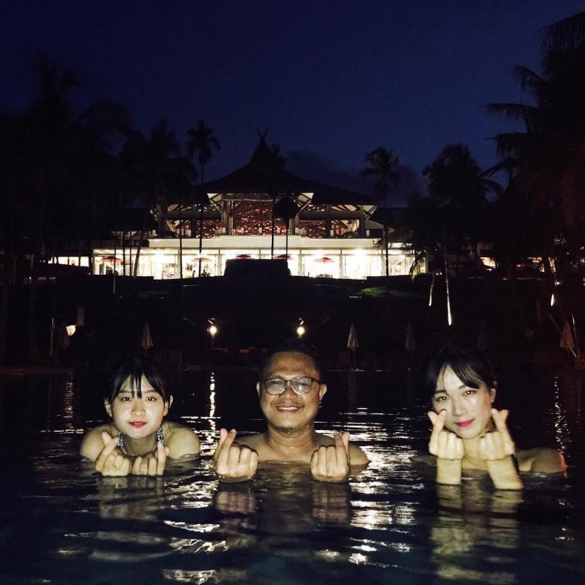 BLR night swimming